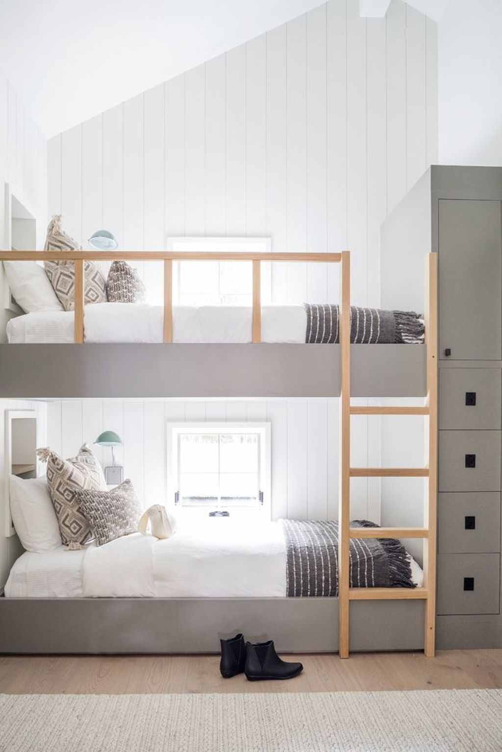 Fascinating Bunk Beds Design Ideas For Small Room 12