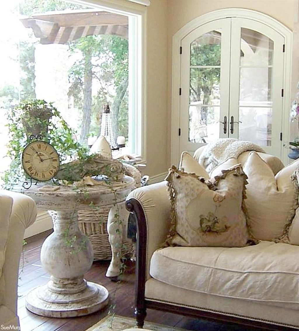 Gorgeous French Country Decorating Ideas 01