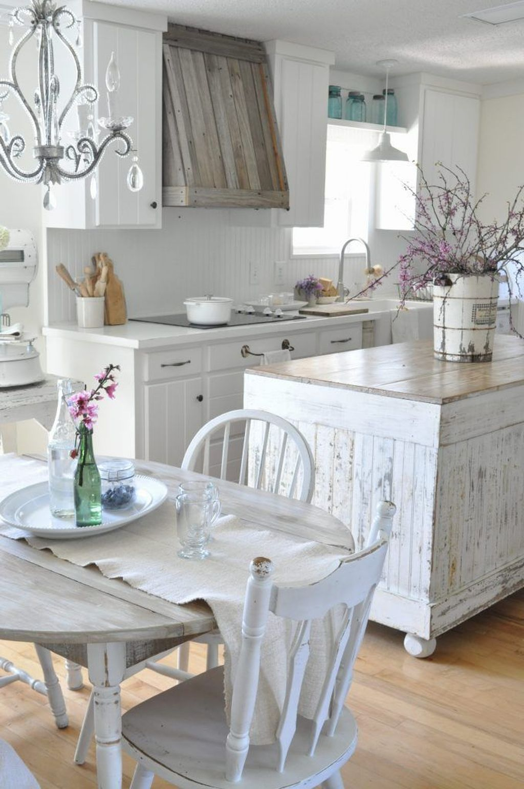 Gorgeous French Country Decorating Ideas 11