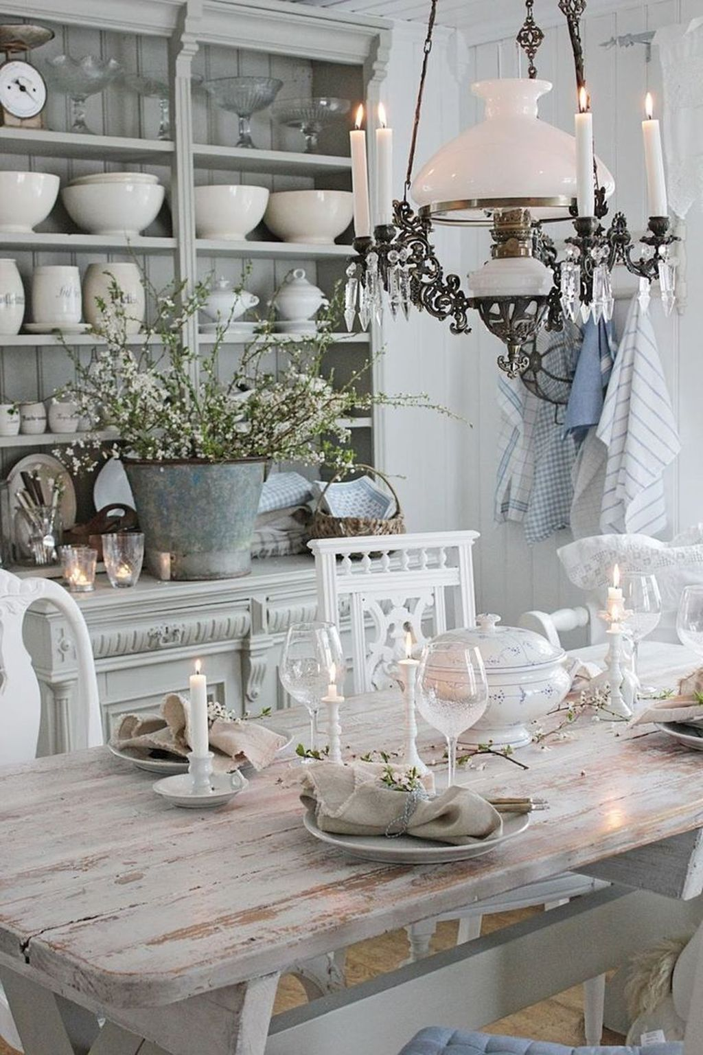 Gorgeous French Country Decorating Ideas 26