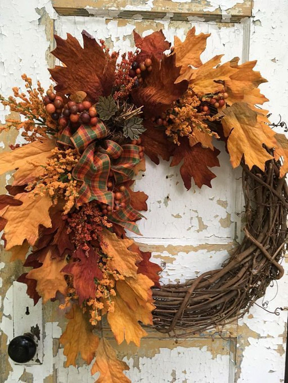 Inspiring Thanksgiving Front Door Decor Ideas 10