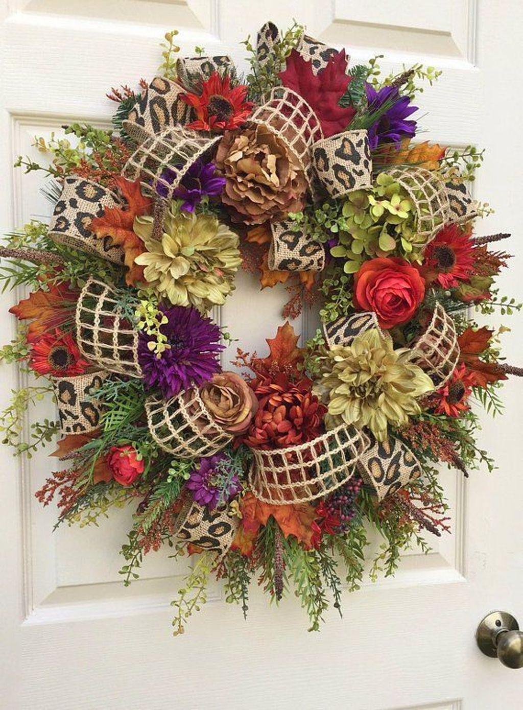 Inspiring Thanksgiving Front Door Decor Ideas 21