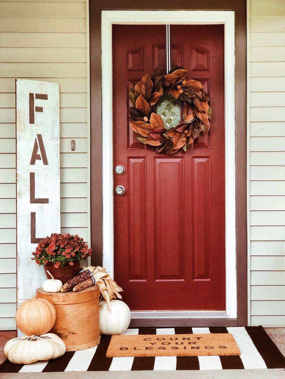 Inspiring Thanksgiving Front Door Decor Ideas 25