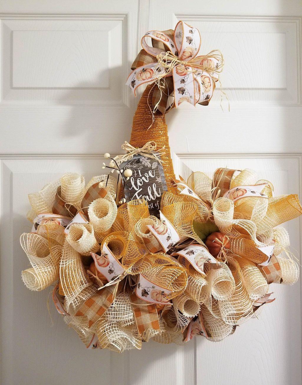Inspiring Thanksgiving Front Door Decor Ideas 29
