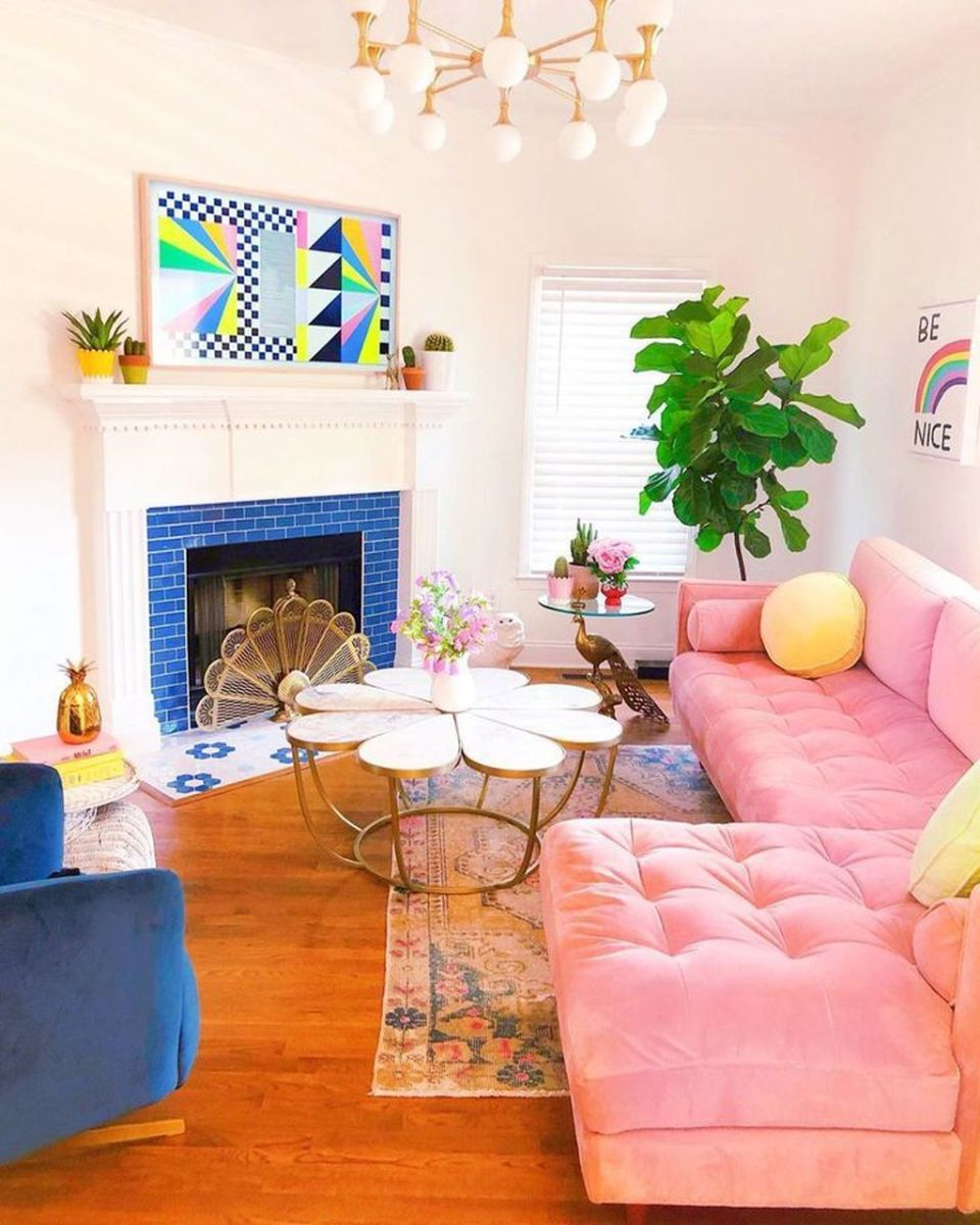 Lovely Colorful Living Room Ideas 19