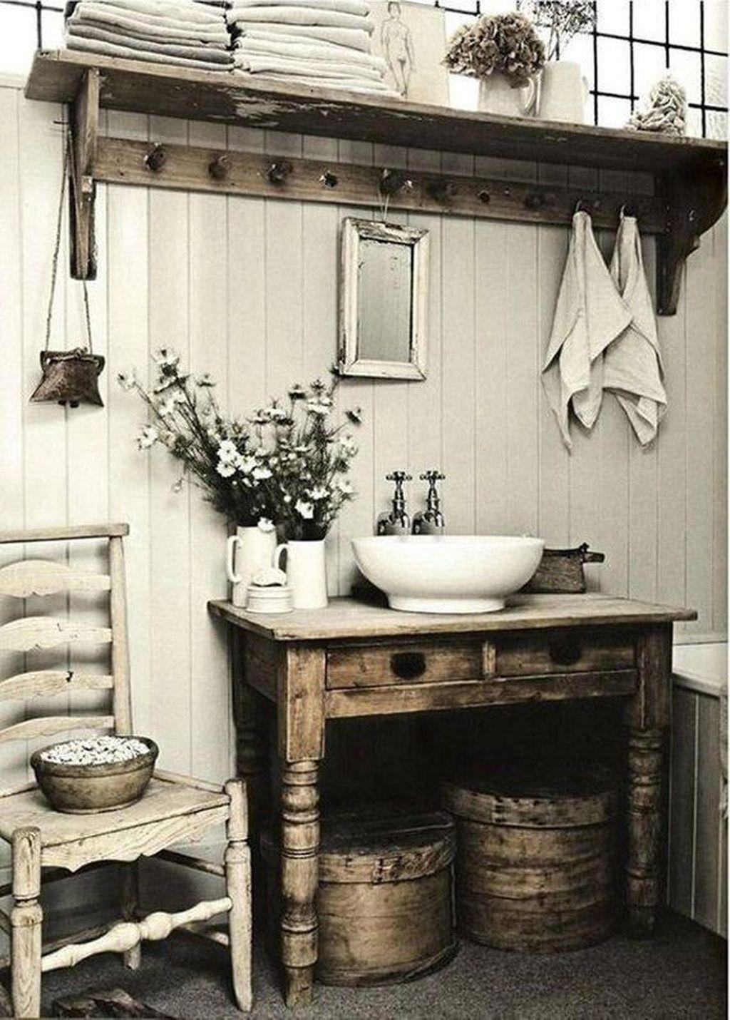 Lovely Relaxing Farmhouse Bathroom Decor Ideas 09