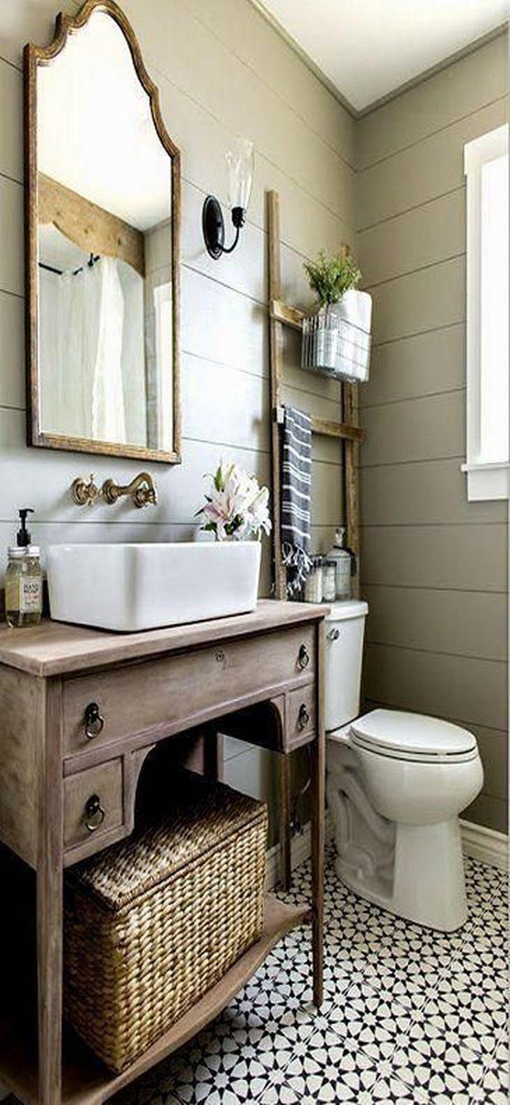 Lovely Relaxing Farmhouse Bathroom Decor Ideas 11