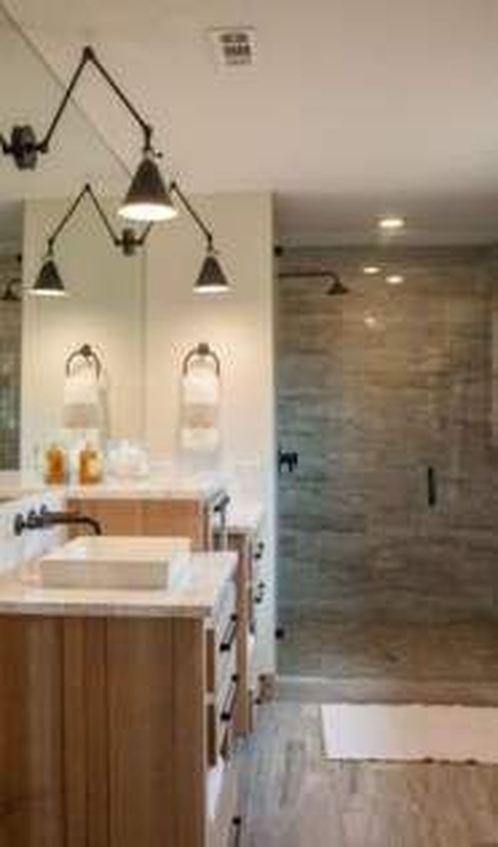 Lovely Relaxing Farmhouse Bathroom Decor Ideas 12