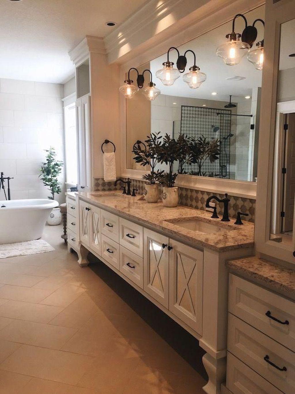 Lovely Relaxing Farmhouse Bathroom Decor Ideas 13