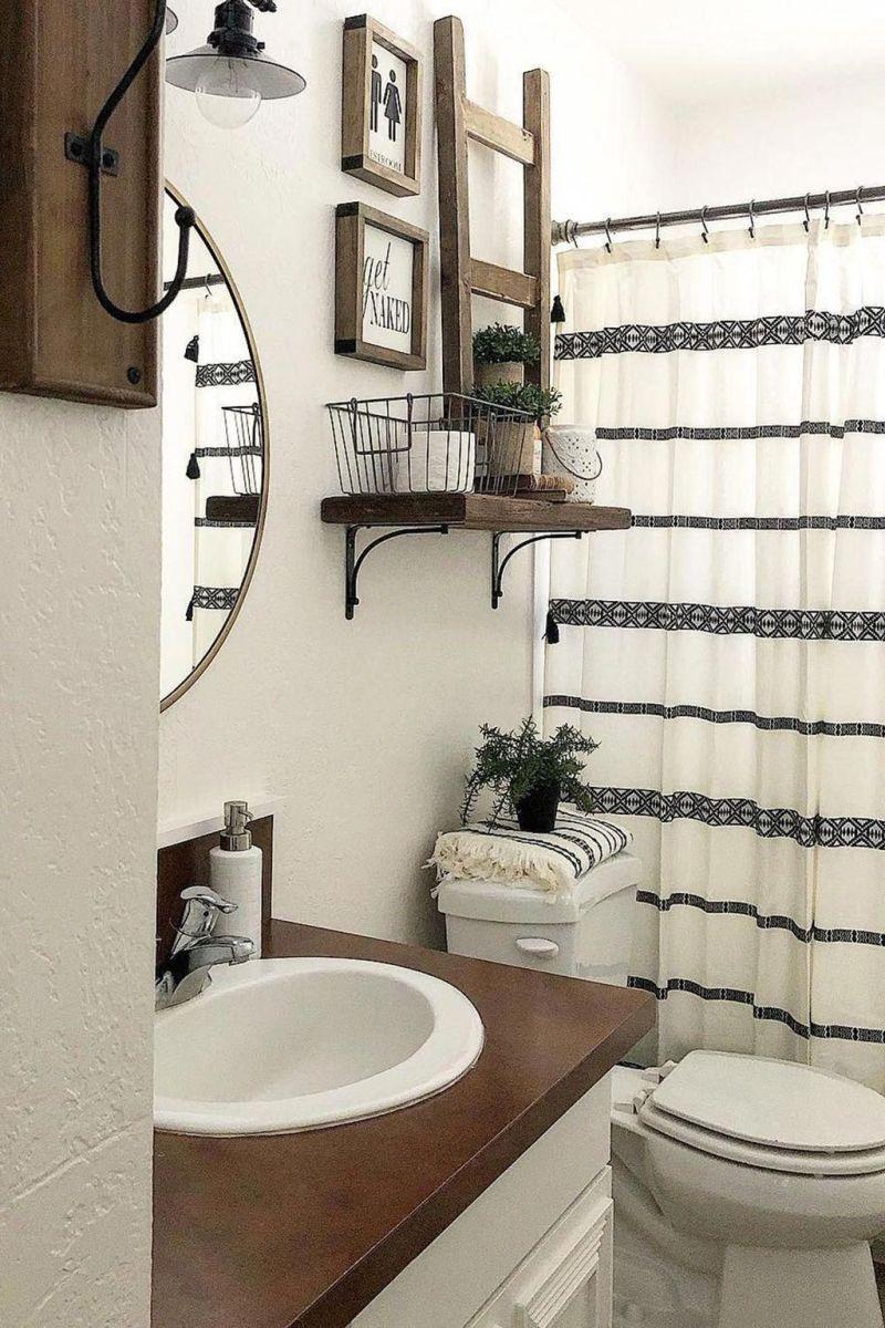 Lovely Relaxing Farmhouse Bathroom Decor Ideas 14
