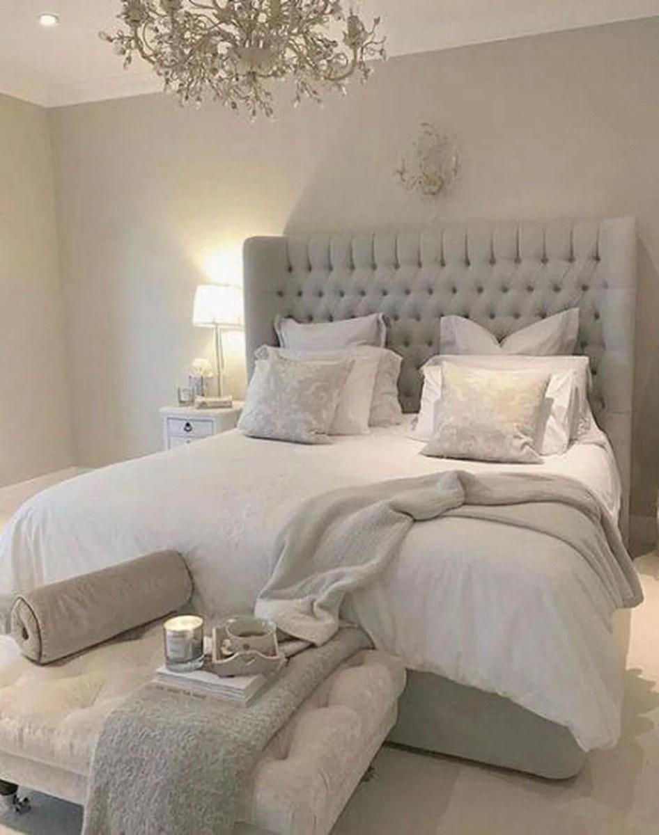 Popular White Master Bedroom Furniture Ideas 05