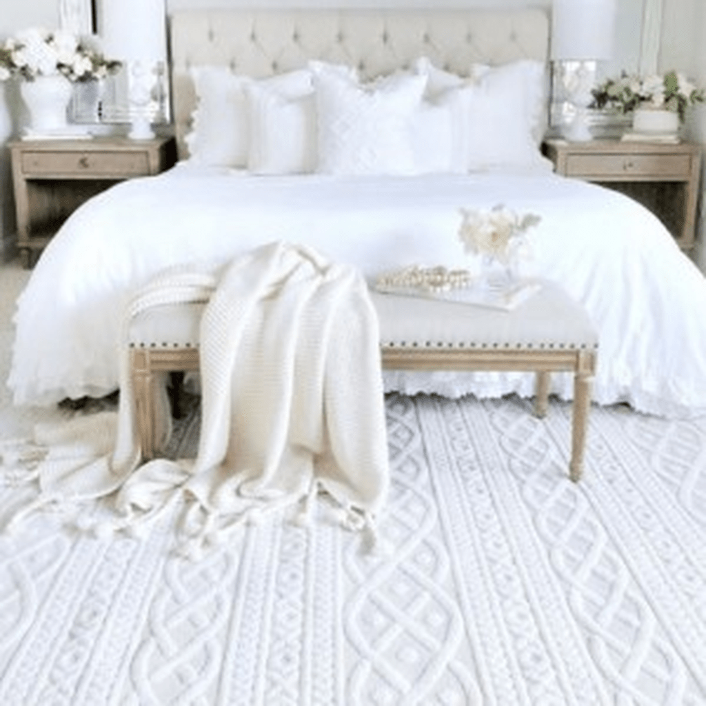 Popular White Master Bedroom Furniture Ideas 07