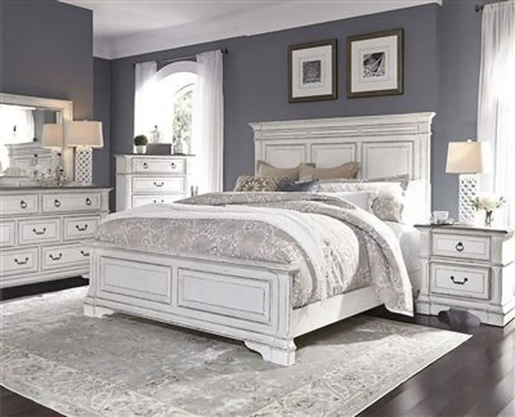 Popular White Master Bedroom Furniture Ideas 08