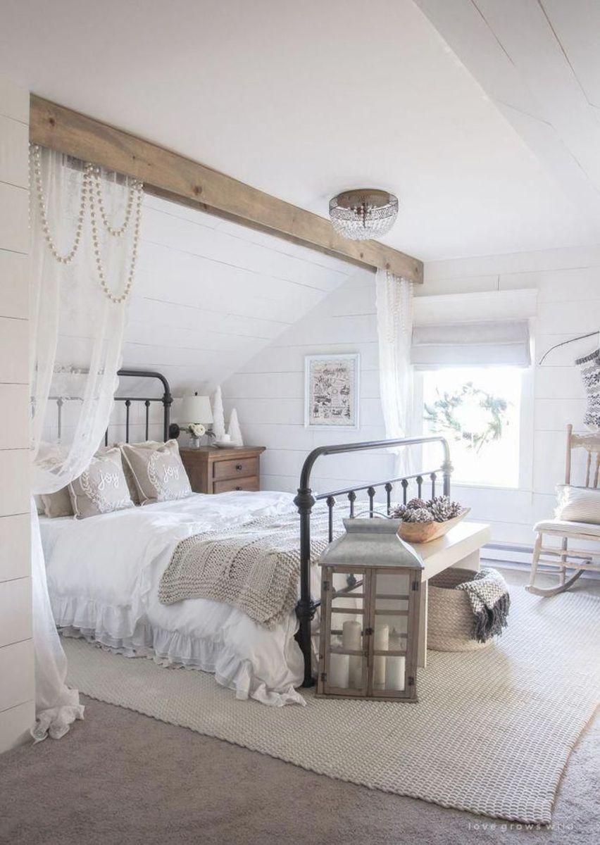 Popular White Master Bedroom Furniture Ideas 22