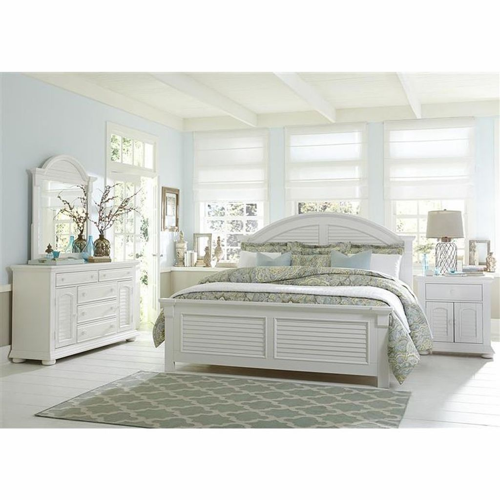 Popular White Master Bedroom Furniture Ideas 25