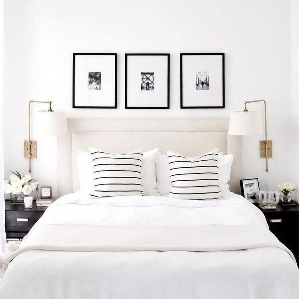 Popular White Master Bedroom Furniture Ideas 30