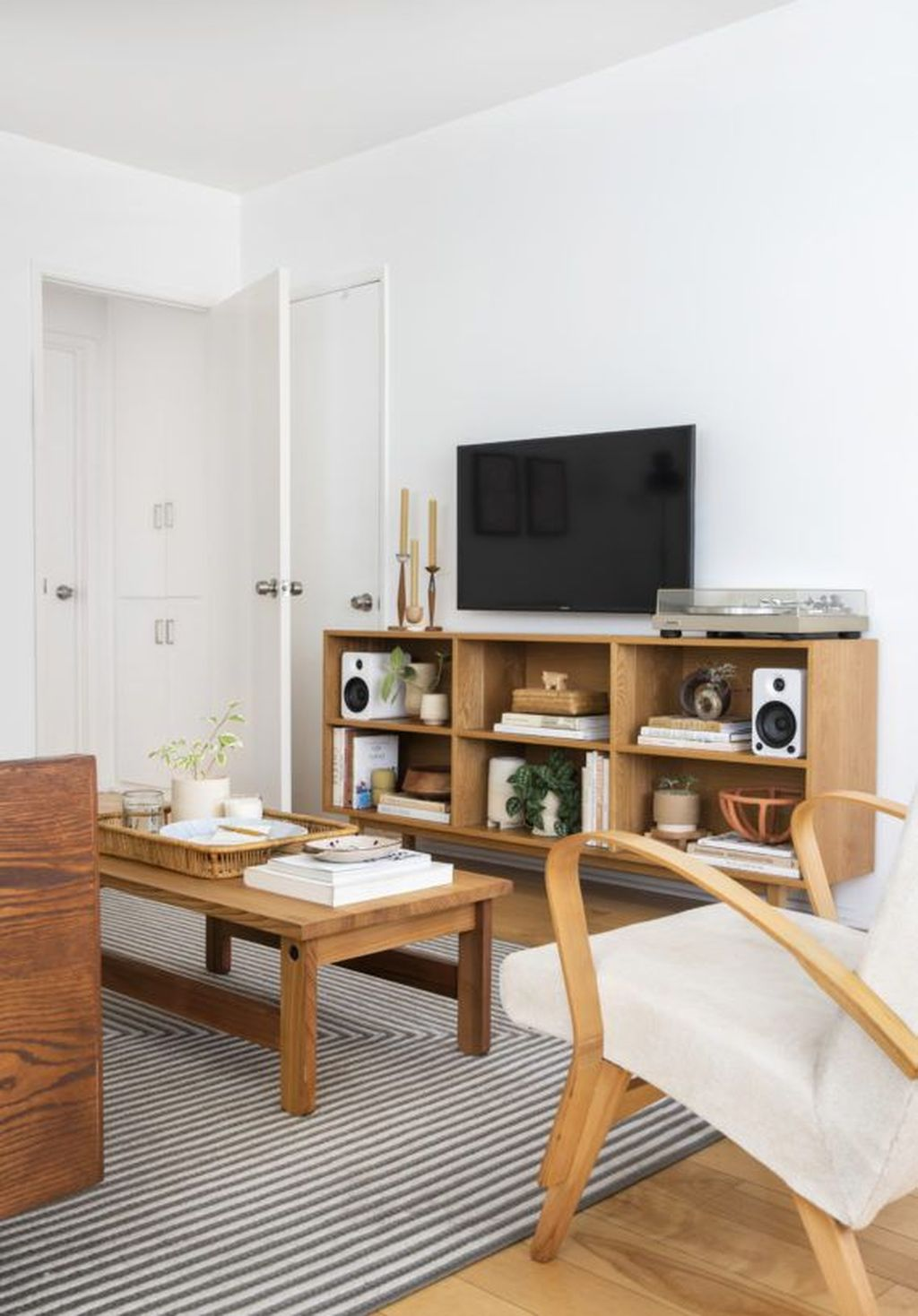 The Best Minimalist Furniture Ideas For Apartment 02