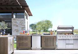 Amazing Outdoor Kitchen Bars Design Ideas Best For Summer 27