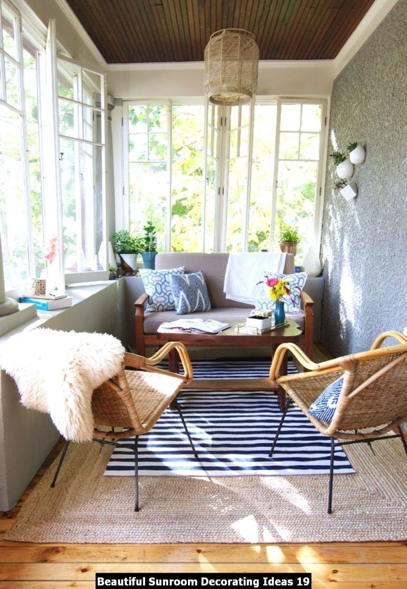 Beautiful Sunroom Decorating Ideas 19