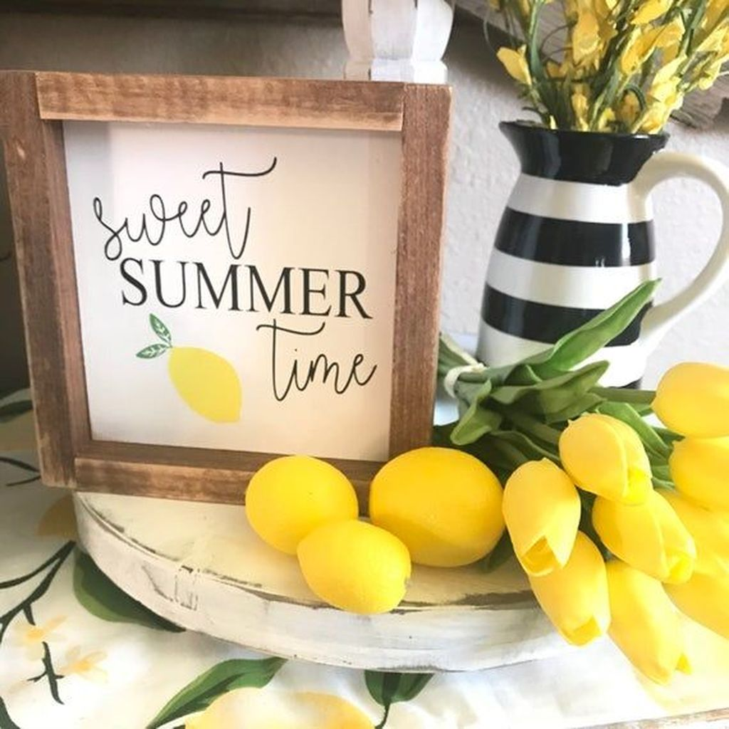 Fabulous Summer Farmhouse Decor Ideas You Will Love 07
