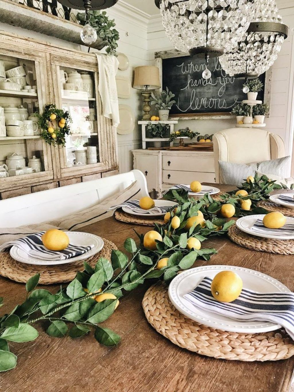 Fabulous Summer Farmhouse Decor Ideas You Will Love 21