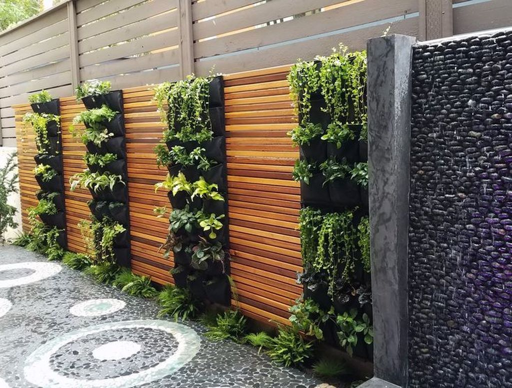 Nice Vertical Garden Wall Decor Ideas Look Beautiful 10