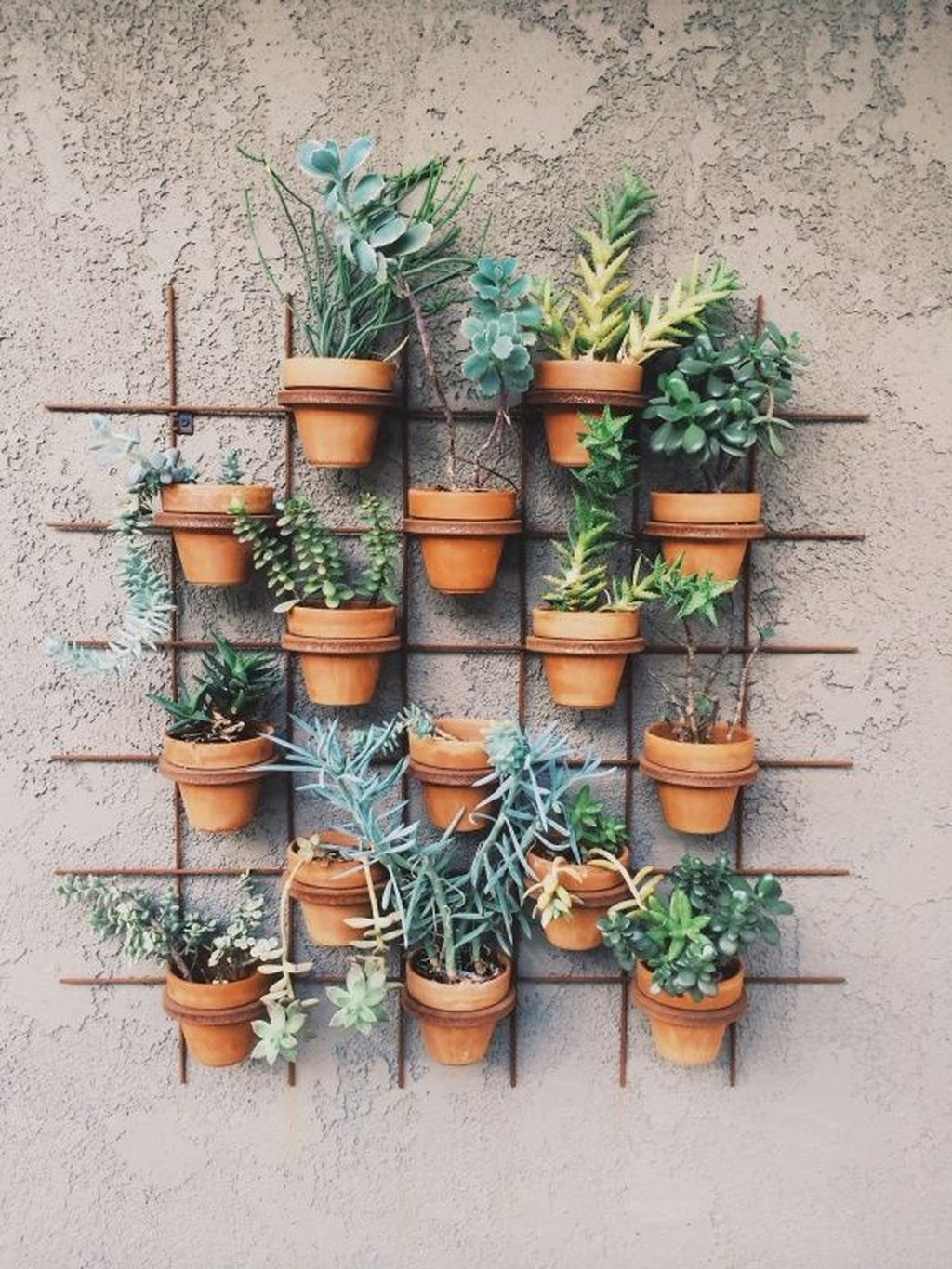Nice Vertical Garden Wall Decor Ideas Look Beautiful 33
