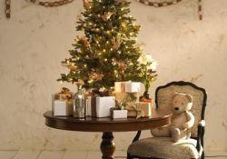 Small Tabletop Christmas Tree
