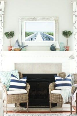 Affordable Living Room Summer Decorating Ideas 36