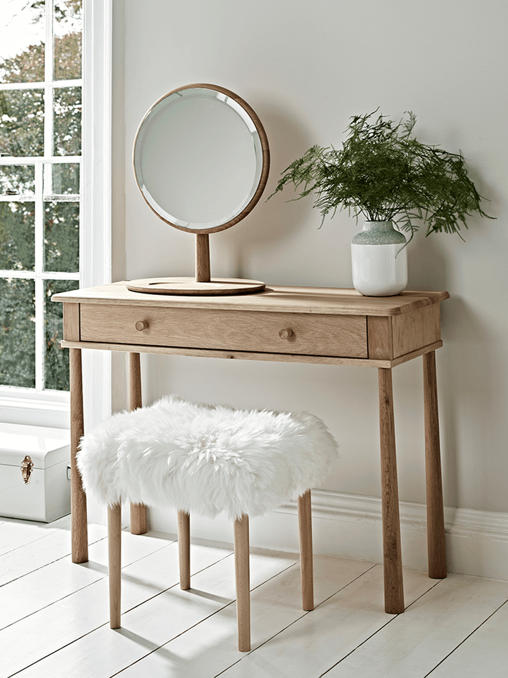 Casual Dressing Table Ideas In Your Room 32