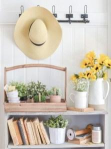 Cute Farmhouse Summer Decor Ideas For Your Inspiration 02