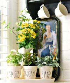 Cute Farmhouse Summer Decor Ideas For Your Inspiration 42