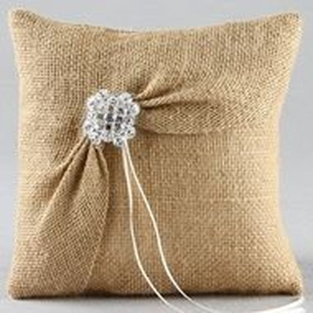 Adorable Pillows Decoration Ideas To Not Miss Today 46