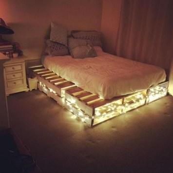 Amazing Bedroom Pallet Design Ideas 34
