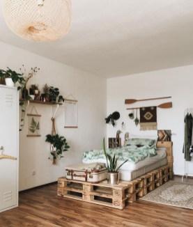 Amazing Bedroom Pallet Design Ideas 44