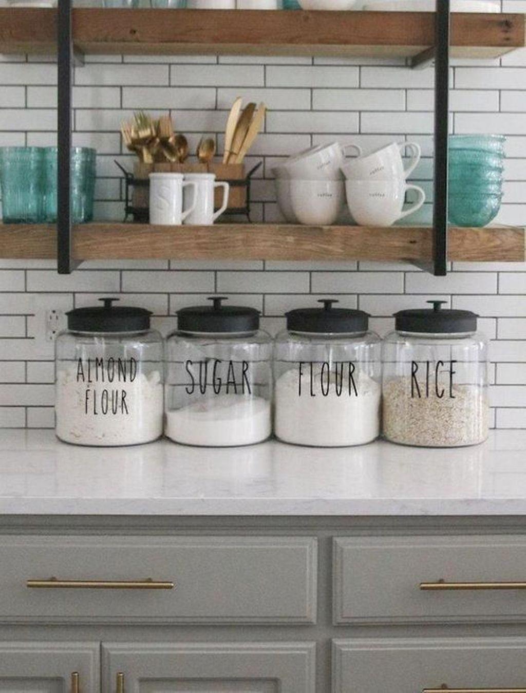 Amazing Organized Farmhouse Kitchen Decor Ideas 30
