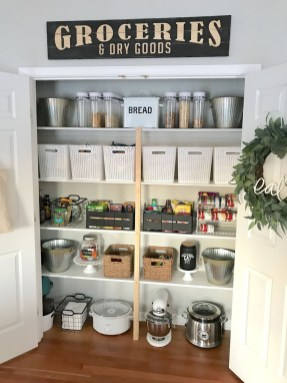 Amazing Organized Farmhouse Kitchen Decor Ideas 43