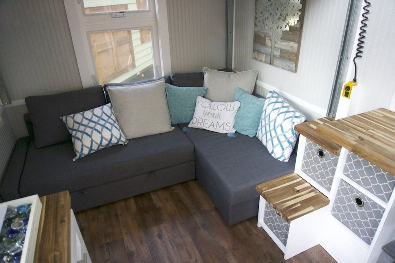 Casual Sofa Ideas With Storage Underneath For Small Space 23