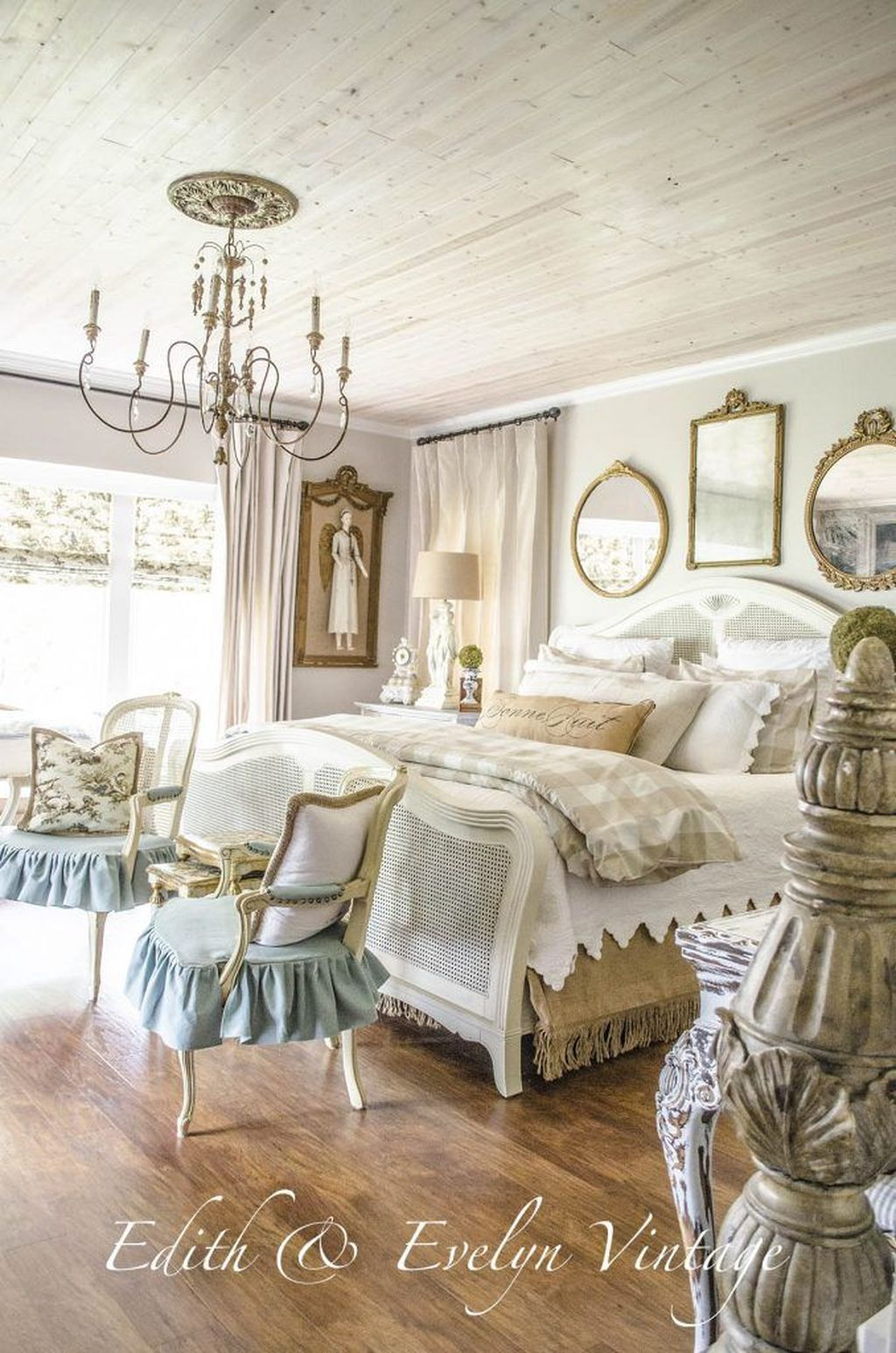 Cool French Country Master Bedroom Design Ideas With Farmhouse Style 06