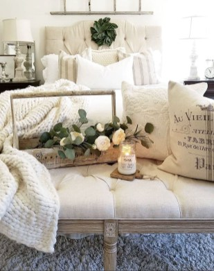 Cool French Country Master Bedroom Design Ideas With Farmhouse Style 10