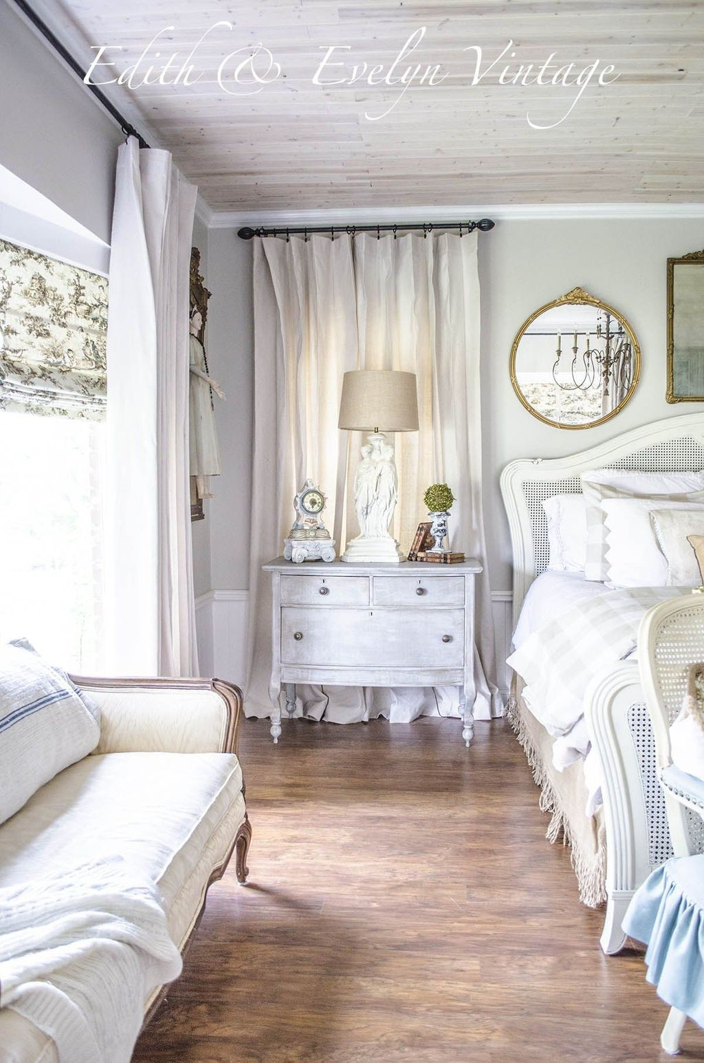 Cool French Country Master Bedroom Design Ideas With Farmhouse Style 14
