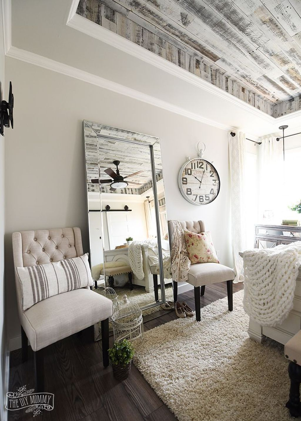 Cool French Country Master Bedroom Design Ideas With Farmhouse Style 23