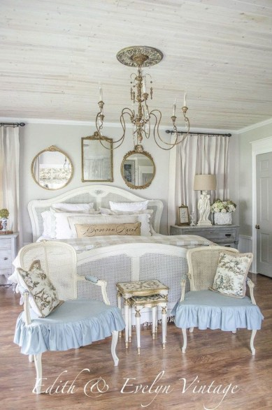 Cool French Country Master Bedroom Design Ideas With Farmhouse Style 34