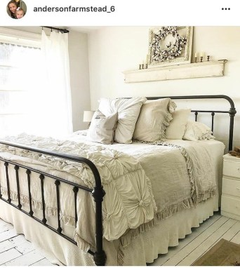 Cool French Country Master Bedroom Design Ideas With Farmhouse Style 38