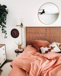 Lovely Bedroom Decor Ideas For Small Apartment 29