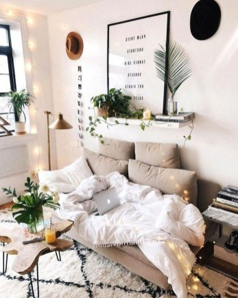 Lovely Bedroom Decor Ideas For Small Apartment 35