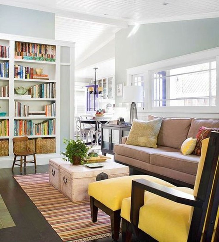 Pretty Bookshelves Design Ideas For Your Family Room 01