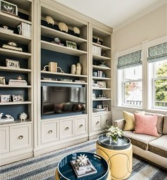 Pretty Bookshelves Design Ideas For Your Family Room 10
