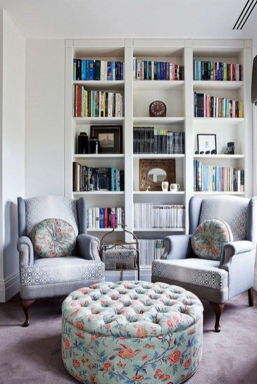 Pretty Bookshelves Design Ideas For Your Family Room 18