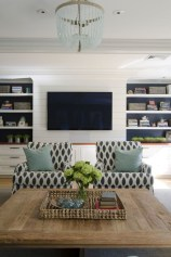 Pretty Bookshelves Design Ideas For Your Family Room 30